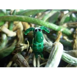 brouk tmavě zelený