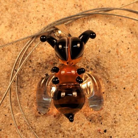 včela - přívěsek